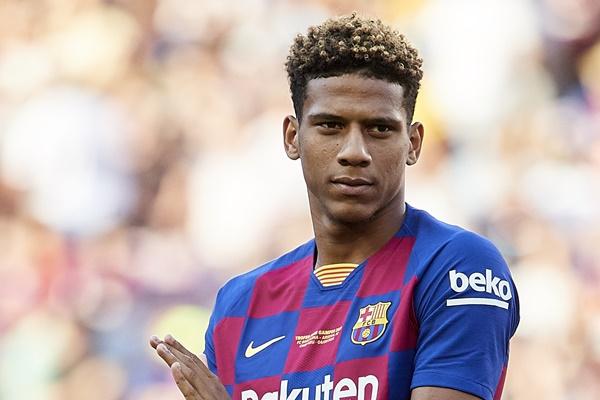 4 cầu thủ phải rời Barca trong tuần này - Bóng Đá