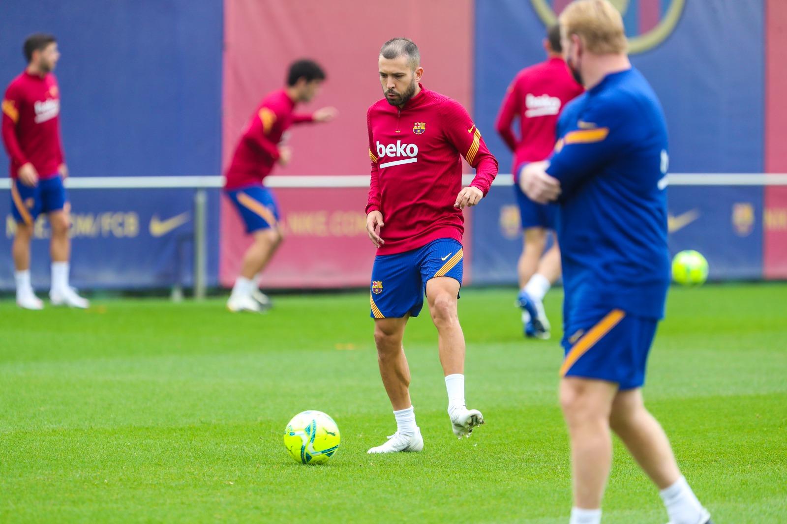 Jordi Alba trở lại tập luyện - Bóng Đá