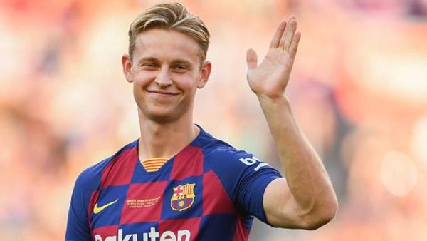 2. Frenkie de Jong (Barcelona) - Khi HLV Ronald Koeman lên nắm quyền, ngôi sao người Hà Lan được trả lại vị trí sở trường.