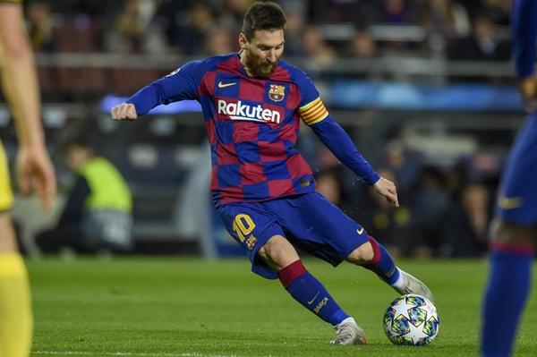 4 thống kê cho thấy Ronaldo xuất sắc hơn Messi tại Champions League - Bóng Đá