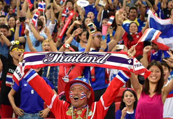 2.000 CĐV Thái Lan sẽ đến Mỹ Đình cổ vũ thầy trò HLV Kiatisuk. Ảnh: Internet.