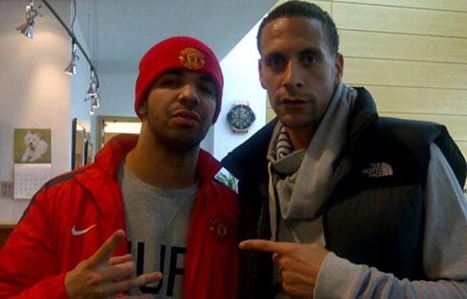Drake: Rapper nổi tiếng người Canada từng thăm trung tâm huấn luyện Carrington của Manchester Utd năm 2011. Bạn trai của Serena Williams cũng từng khẳng định với trung vệ Rio Ferdinand, anh là một cổ động viên trung thành của đội chủ sân Old Trafford. Ảnh: Internet.