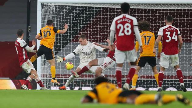 """Arsenal không thể cản được """"Bầy sói"""" ngay kể cả khi chân sút số 1 của họ, Raul Jimenez, phải rời sân sớm vì chấn thương."""