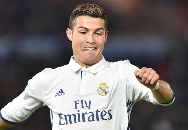 Ronaldo đáp trả lời mời '300 triệu euro' từ Trung Quốc