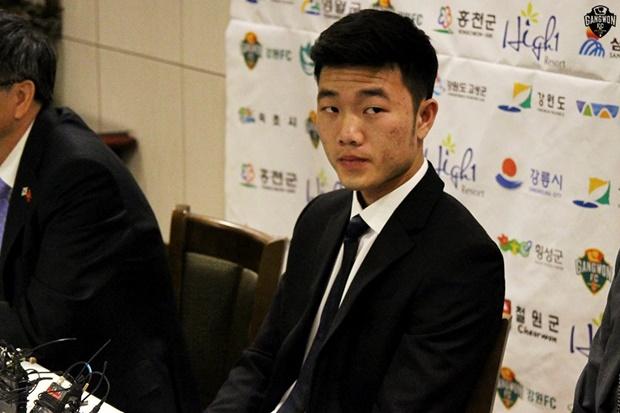 Những hình ảnh độc đáo của Xuân Trường ở Gangwon FC - Bóng Đá