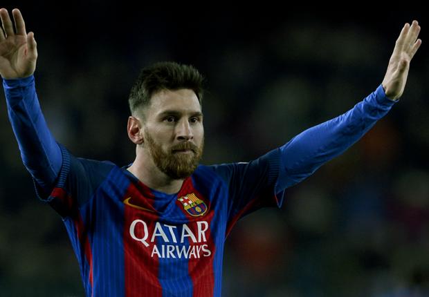 Đừng cất công so sánh Ronaldo với Messi!