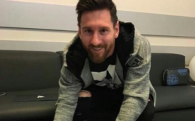 Messi ký giao kèo mới, Barca vẫn không vui