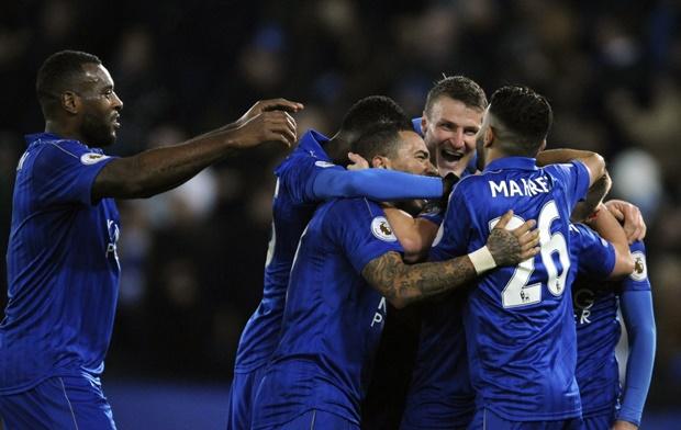 Sau vòng 26 NHA: Bi kịch Ranieri; Liverpool - Top 4 xa dần - Bóng Đá