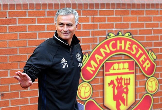 Đối thoại Jose Mourinho: 'Quyền lực không còn tồn tại ở Man Utd' - Bóng Đá