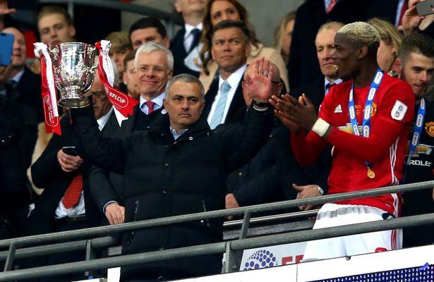 Tại M.U, Mourinho không còn là 'kẻ kiêu ngạo' - Bóng Đá