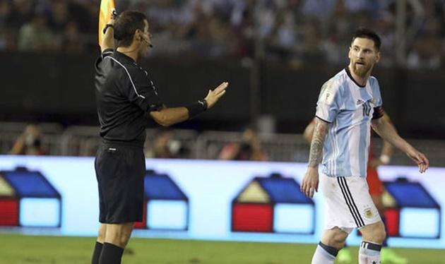 'Trảm' Messi 4 trận: Trò hề của MAFIFA? - Bóng Đá