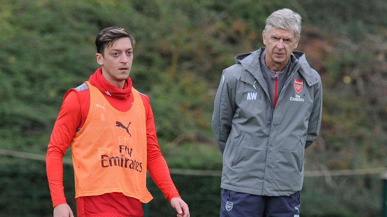 Chuyển động Arsenal: Wenger đi, Oezil cũng nối gót