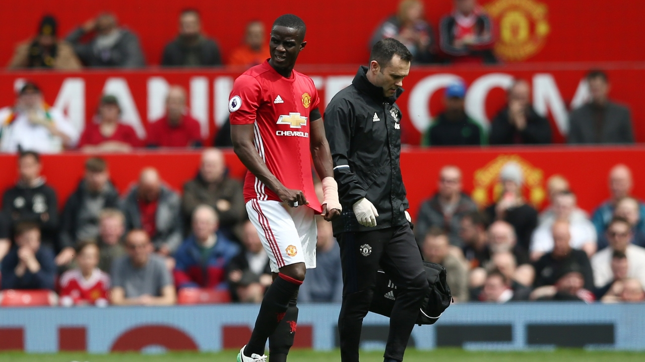 Mourinho làm rõ chấn thương của Bailly & Shaw - Bóng Đá