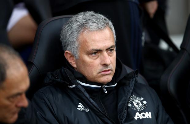 Hạ màn Premier League, Mourinho sẽ tung đội hình siêu dự bị