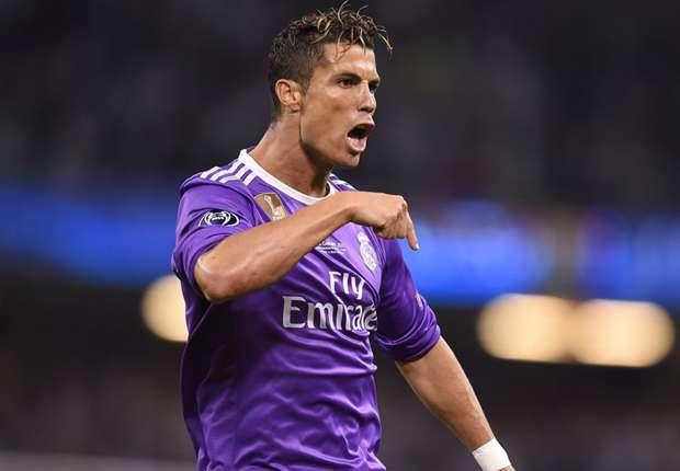 Ghi bàn như 'điện', Ronaldo vượt Messi giật giải 'Vua phá lưới' Champions League - Bóng Đá