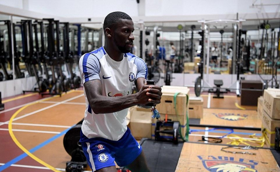 Dàn sao Chelsea đổ mồ hôi hột trong phòng gym - Bóng Đá