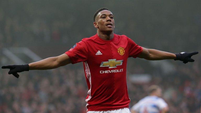 Cả 4 bàn thắng của Martial ở Premier League mùa này đều được ghi từ ghế dự bị