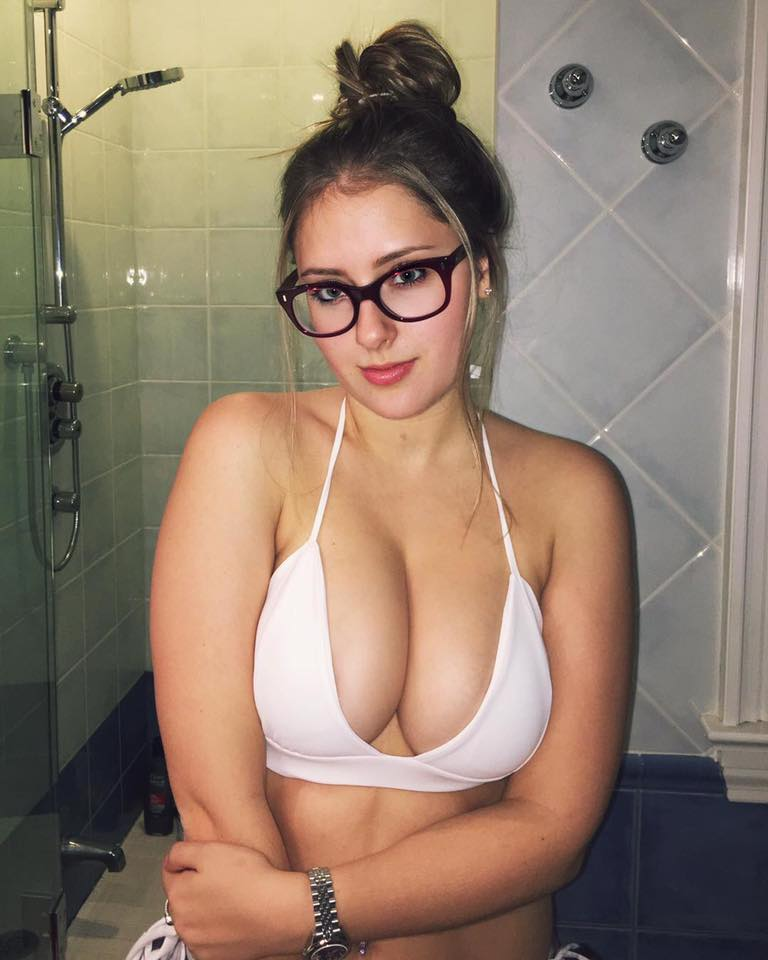 Ebony Chick With White Glasses Nsfw
