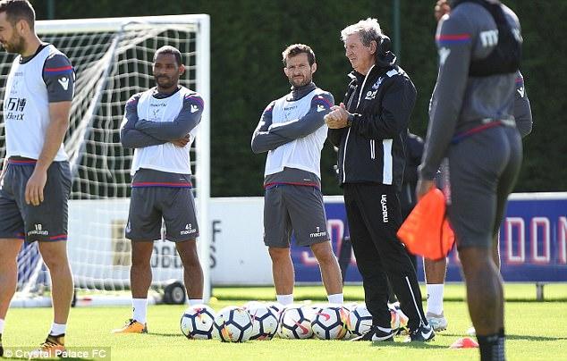 Roy Hodgson lần đầu 'lên lớp', Crystal Palace quyết vượt 'vũ môn' - Bóng Đá