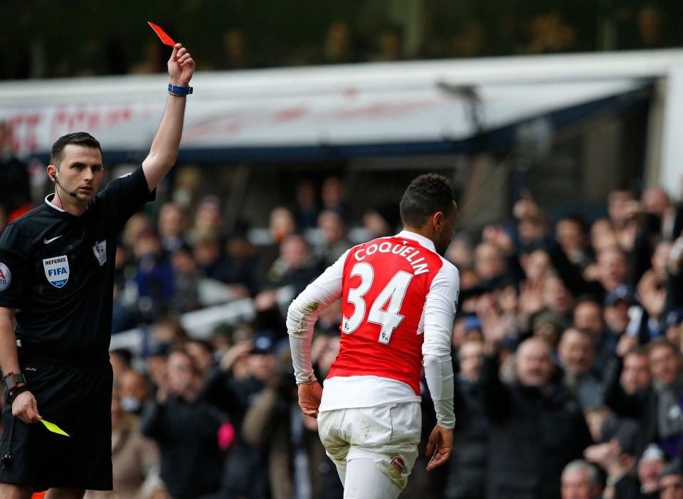 'Hung thần' cầm còi, Arsenal khó cản Chelsea? - Bóng Đá