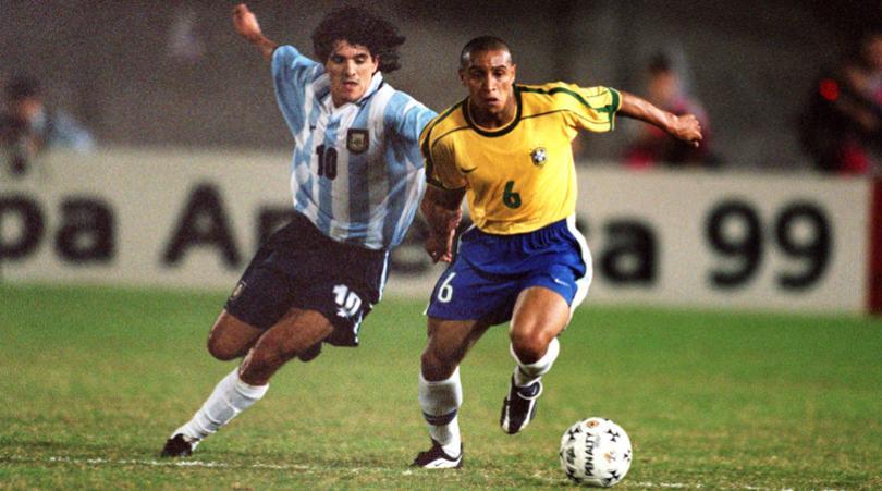 Ronaldo loại CR7, chọn Messi vào đội hình vĩ đại nhất lịch sử - Bóng Đá