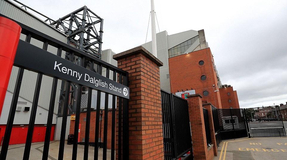 Sir Alex dự lễ tôn vinh đại kình địch Kenny Dalglish tại Anfield - Bóng Đá