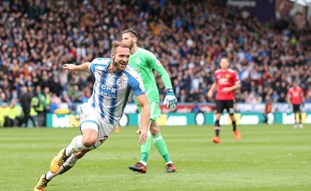 Tội đồ Lindelof  khiến Man Utd thua sấp mặt