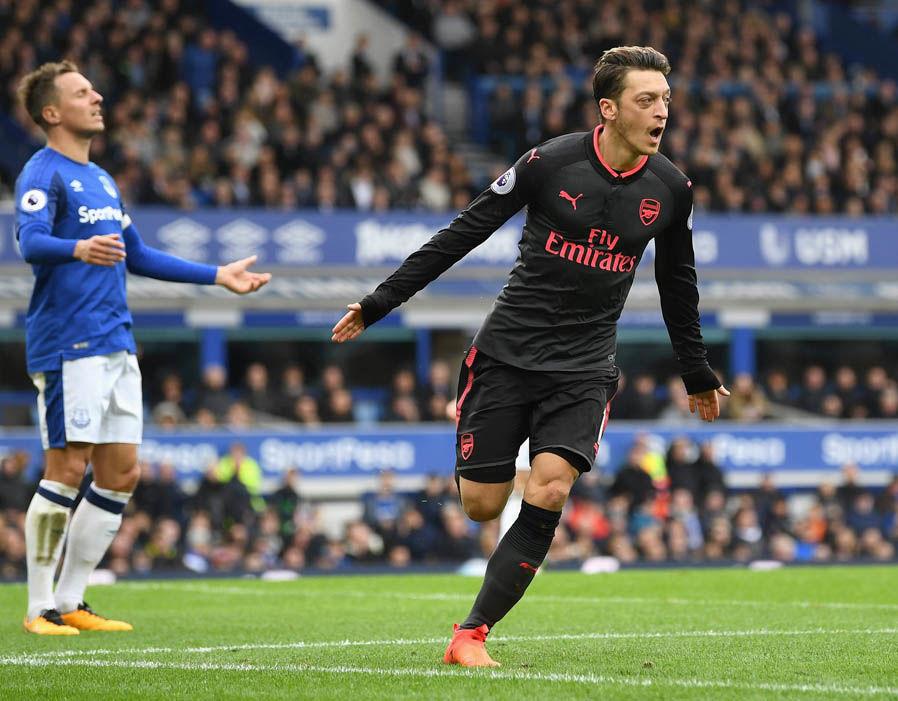 Chấm điểm Arsenal trận Everton: Còn ai dám chỉ trích Ozil? - Bóng Đá