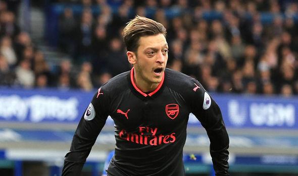 Đây, lý do Mesut Ozil chơi thăng hoa trước Everton - Bóng Đá