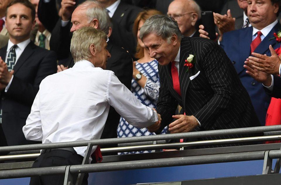 Ông chủ Arsenal: