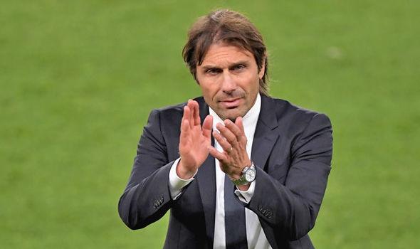 Bị đồn sa thải, Conte nổi cáu với truyền thông