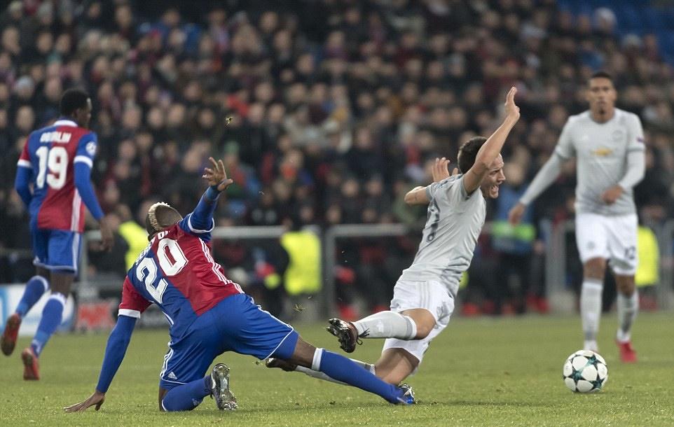 Lép vế trước Basel, Man United ôm hận phút 89 - Bóng Đá