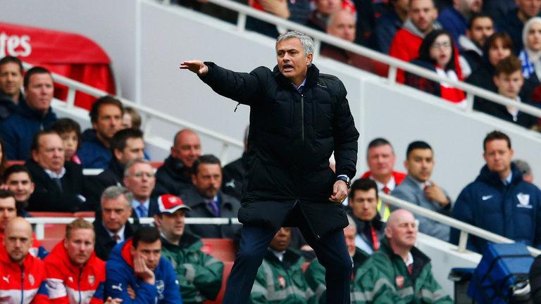 Đối thoại Jose Mourinho: M.U có dựng xe buýt trước Arsenal? - Bóng Đá