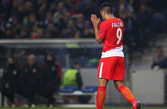 'Mãnh hổ' Falcao thất thểu khi AS Monaco nhận kết cục thảm hại ở Champions League - Bóng Đá