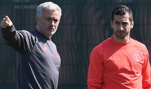 TIẾT LỘ: Điều Mourinho không thích ở Mkhitaryan - Bóng Đá