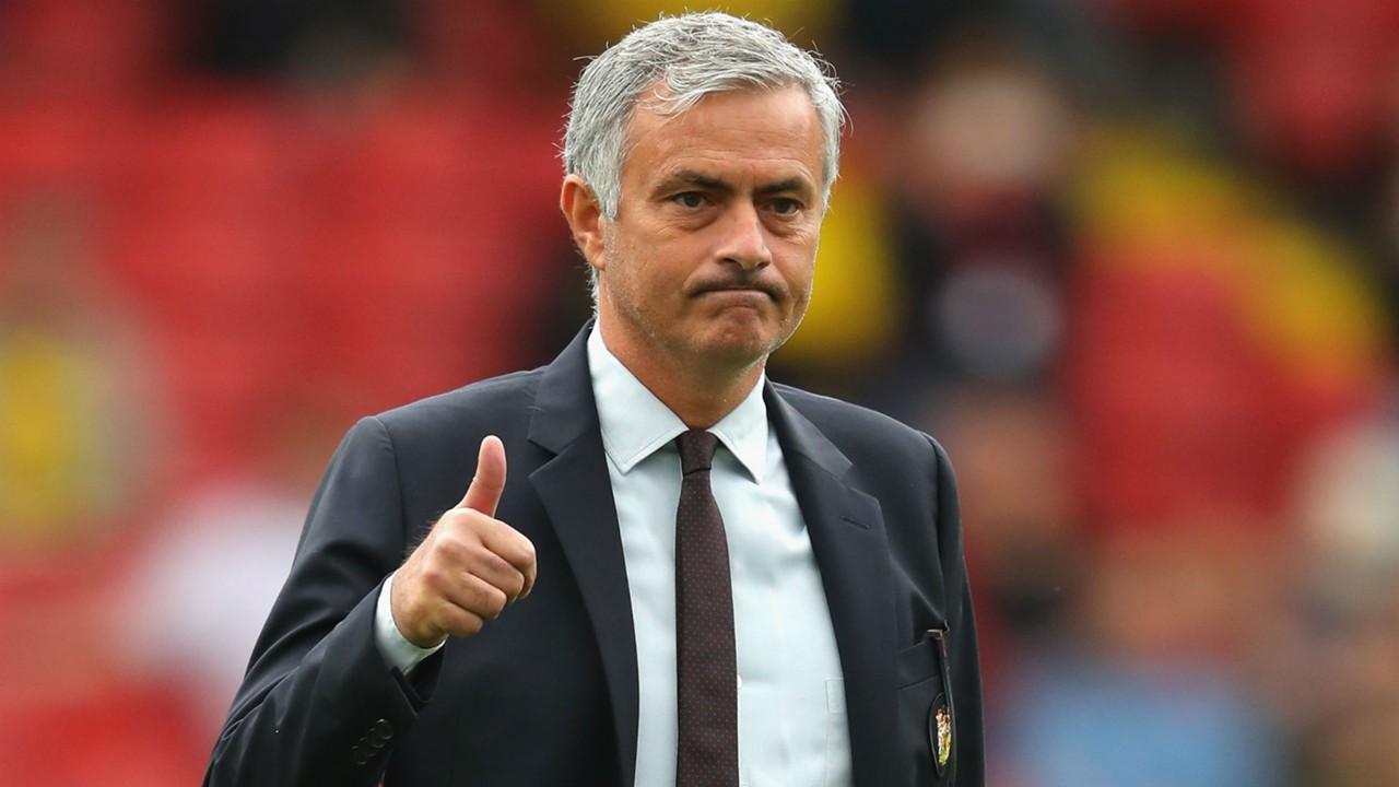 Mourinho ở lại Man Utd: Lời tuyên chiến gửi tới Man City - Bóng Đá