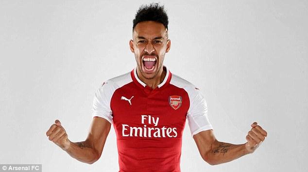 Chùm ảnh: Aubameyang rạng rỡ ra mắt Arsenal - Bóng Đá