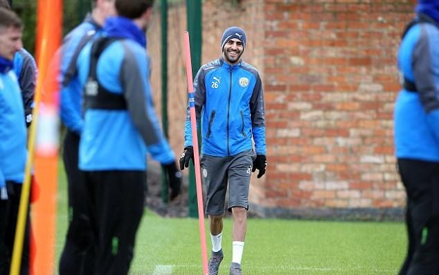 Leicester City đã tìm thấy Riyad Mahrez trước trận gặp Man City - Bóng Đá