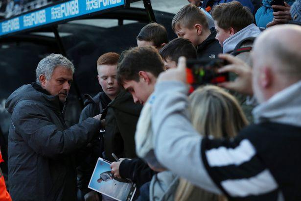 Dư âm Newcastle 1-0 Man Utd: Thảm họa Pogba, Sanchez không khá hơn! - Bóng Đá