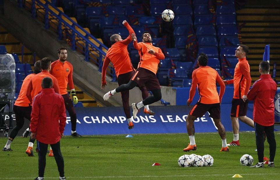 Barcelona tập luyện - Bóng Đá