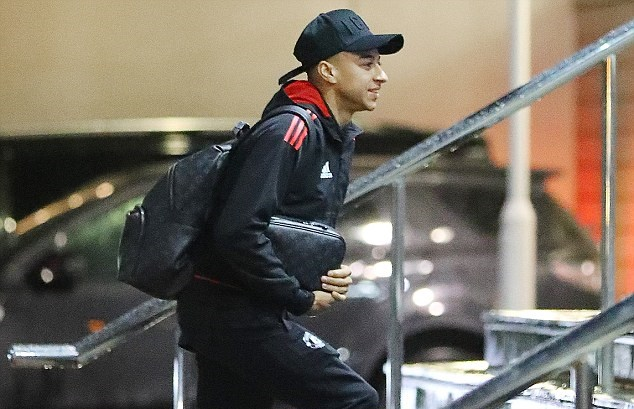 Man United tới khách sạn - Bóng Đá