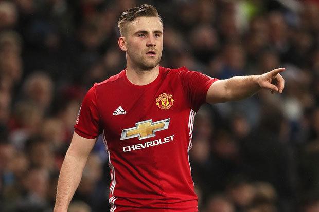 NÓNG: Luke Shaw to tiếng với Mourinho trên sân tập - Bóng Đá