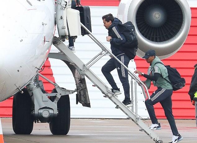 Chuẩn bị chiến Tottenham, dàn sao Man Utd buồn như đưa đám - Bóng Đá