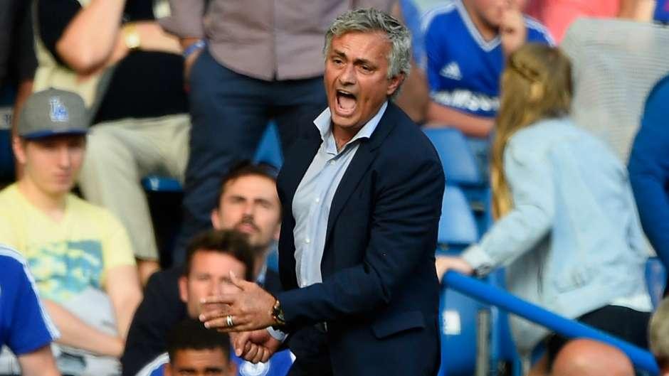 Swansea sắp rớt hạng, lỗi ở.... Mourinho - Bóng Đá