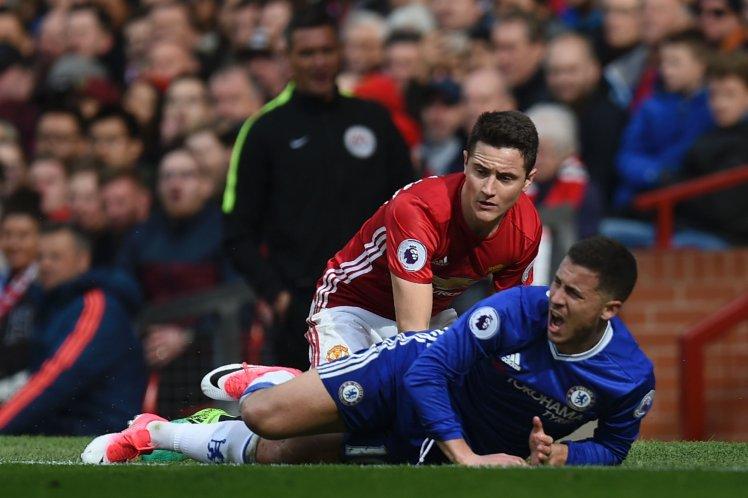 Bí quyết giúp Herrera 'bắt chết' Hazard - Bóng Đá