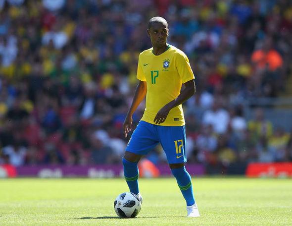 Man Utd đã ký hợp đồng với 'Tiểu Fernandinho' - Bóng Đá