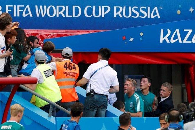 SỐC: CĐV Đức đòi tẩn Ozil sau thất bại trước Hàn Quốc - Bóng Đá