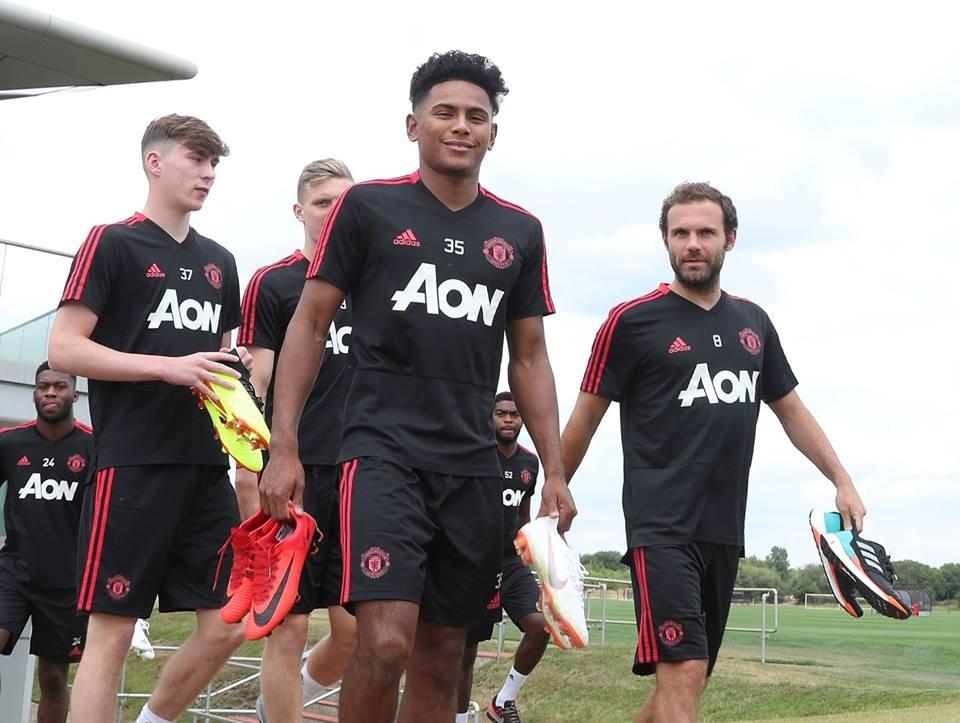 CHÙM ẢNH: Man United tập trở lại chuẩn bị mùa giải mới - Bóng Đá