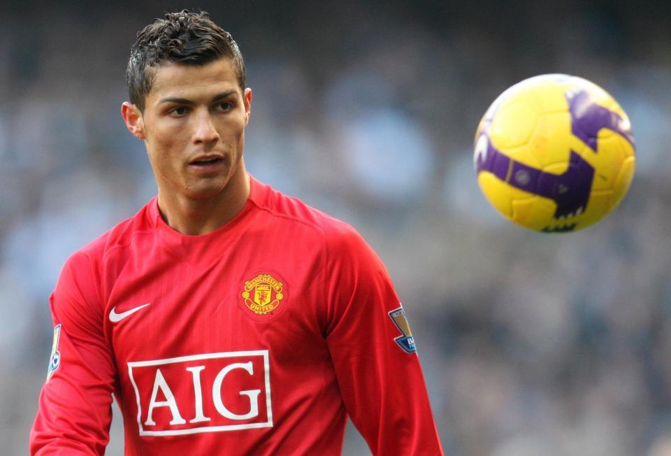 Ronaldo tới Juventus, tiền tự chảy vào túi Man Utd - Bóng Đá