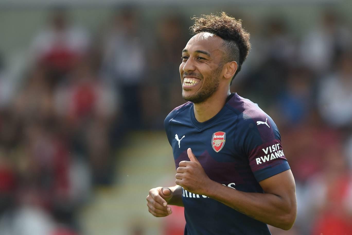 Aubameyang ghi hattrick chỉ trong 17 phút làm quà ra mắt Emery